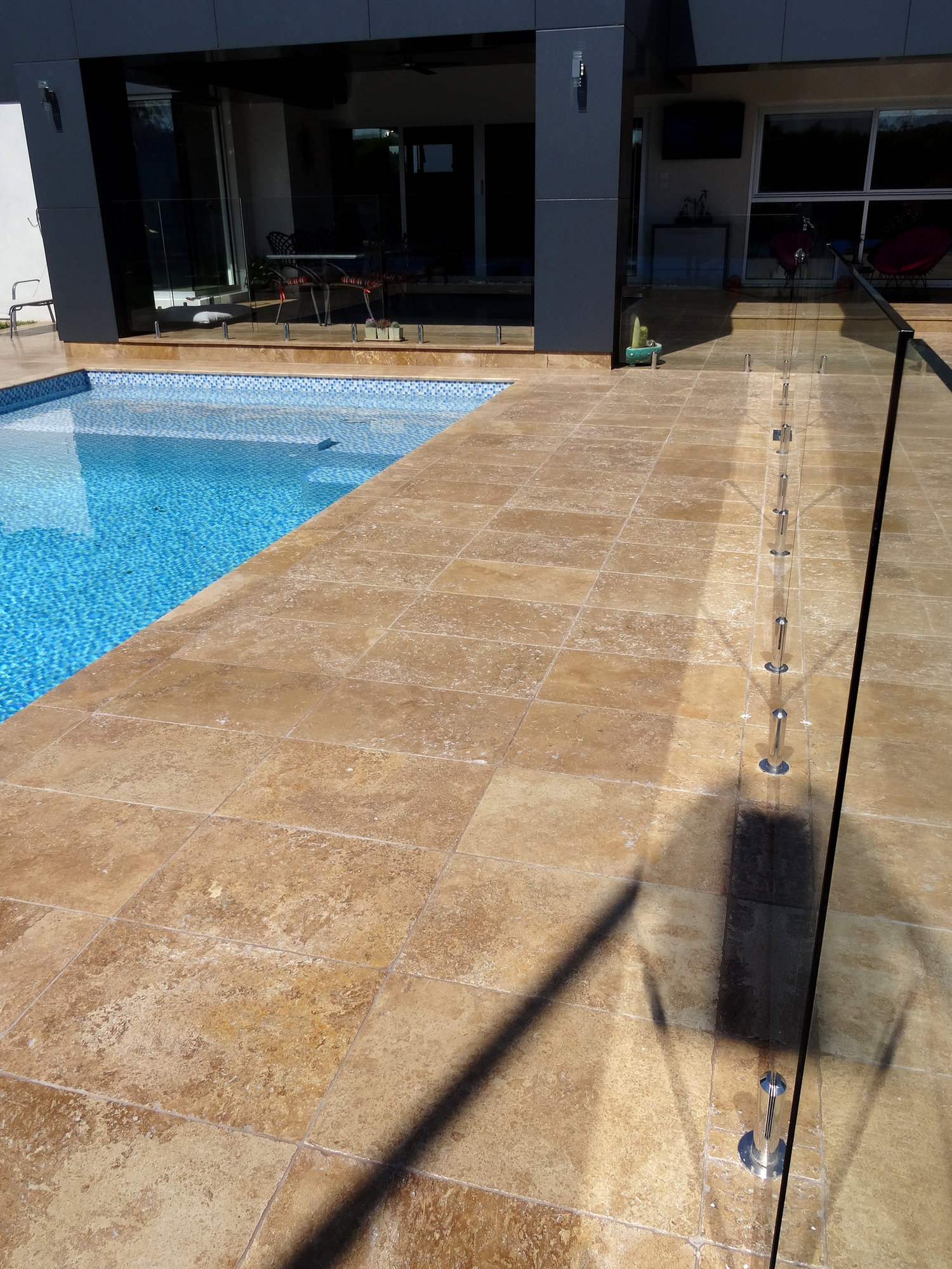 Noce travertine for Natural stone around pool