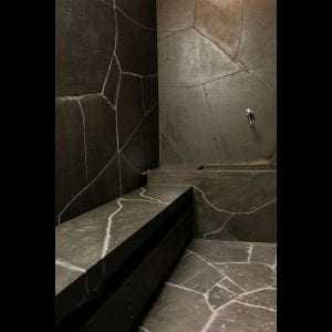bluestone-sawn-crazy-random-paving-tiles-pavers-bathroom