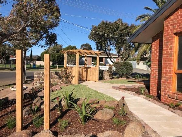 crema-novelda-tumbled-brushed-limestone-tile-paver-pathway-garden