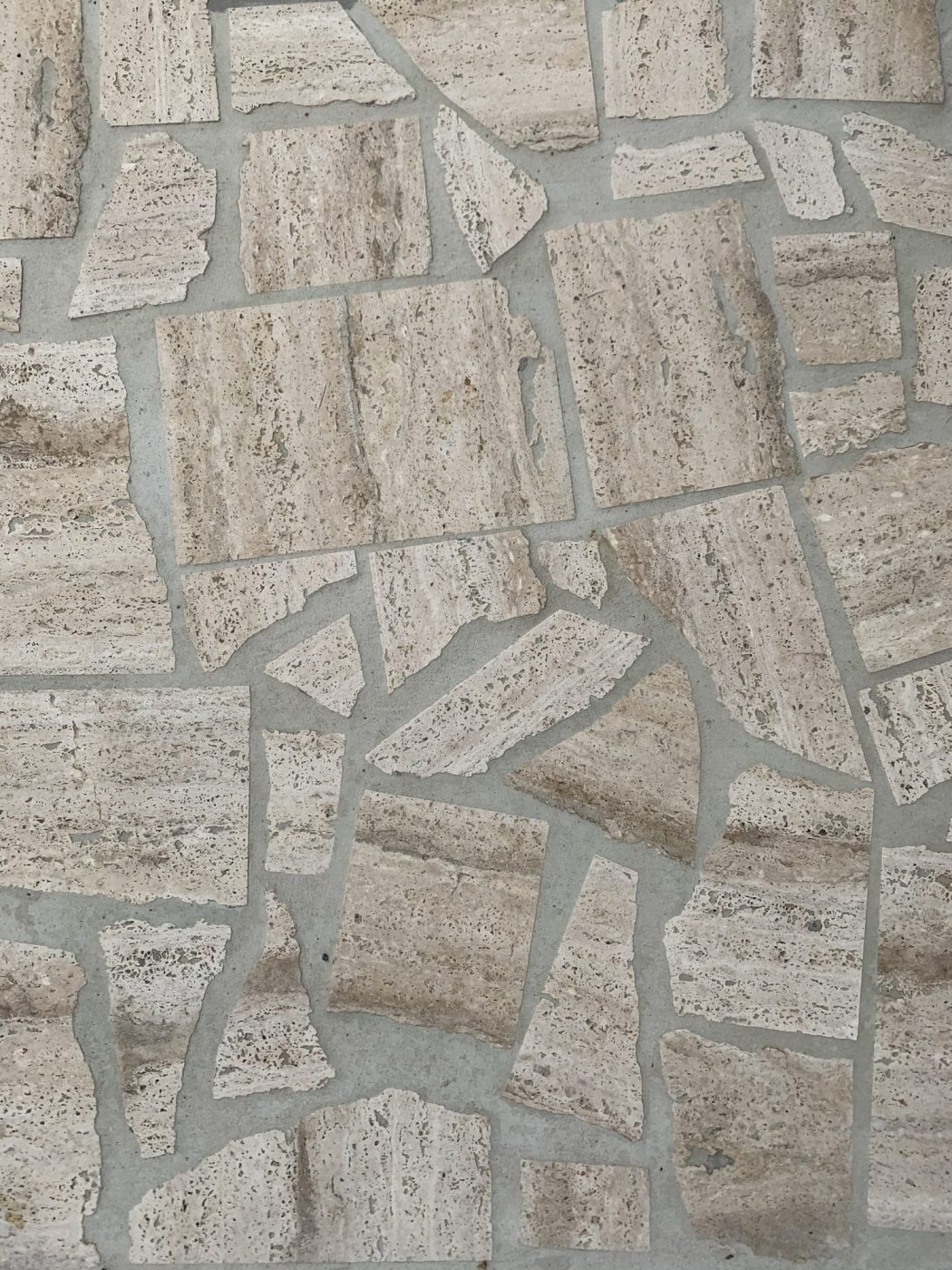 Milano Classic Travertine Vein Cut Crazy Paving